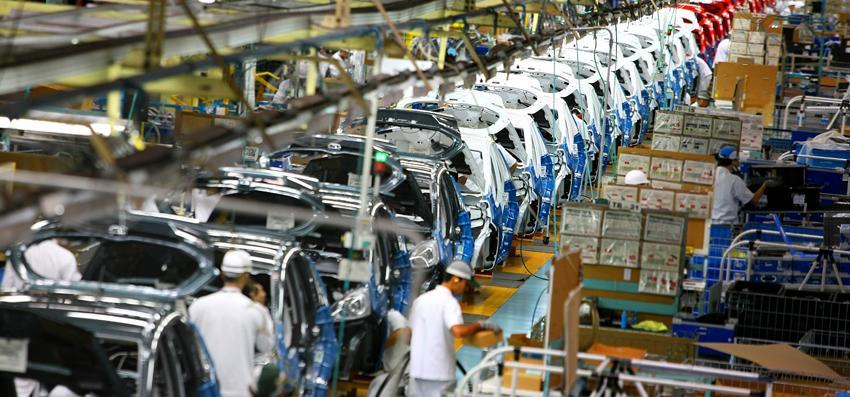Montadoras de veículos e governo devem negociar a redução do 'custo Brasil'