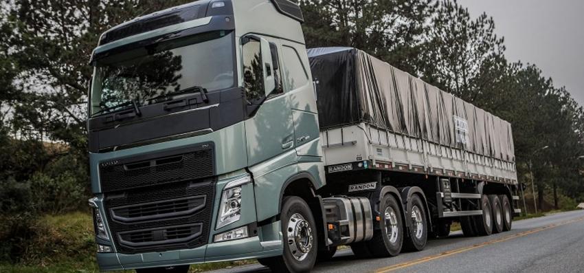 Licenciamentos de caminhões têm alta de 47%