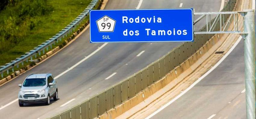 DER restringe tráfego de caminhões de cargas na Tamoios na Operação Verão e feriados prolongados