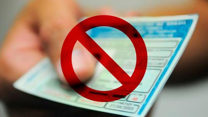 Suspensão de CNH justifica demissão de motorista, decide TST