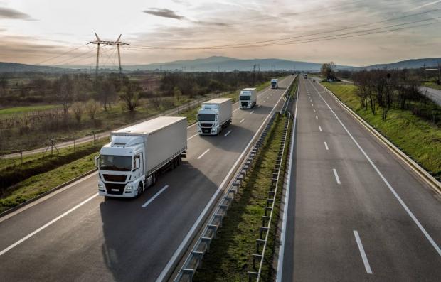 STF julga constitucional lei sobre transporte rodoviário de cargas.