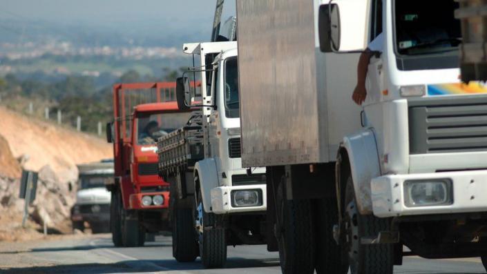 Transporte rodoviário chega a 45% de queda no volume de cargas e impacto financeiro já é sentido